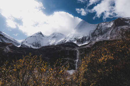 Jada Dragon Mountain China