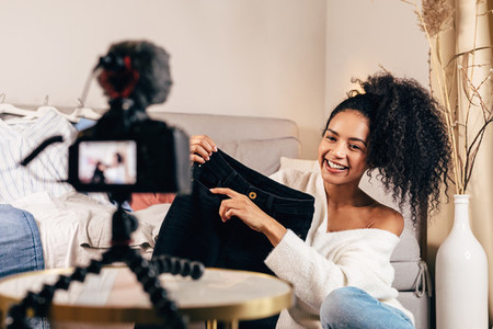Fashion vlogger reviewing