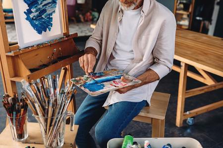 Unrecognizable artist