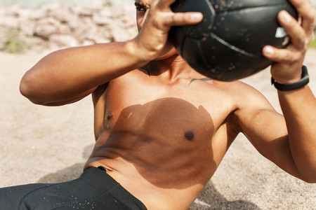 Athletic man doing abdomen