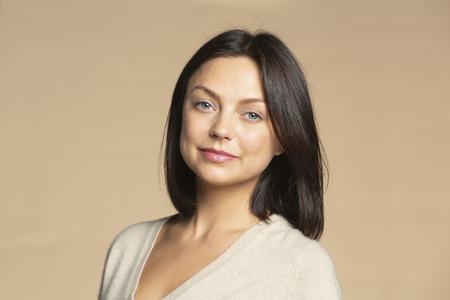Portrait confident beautiful brunette woman