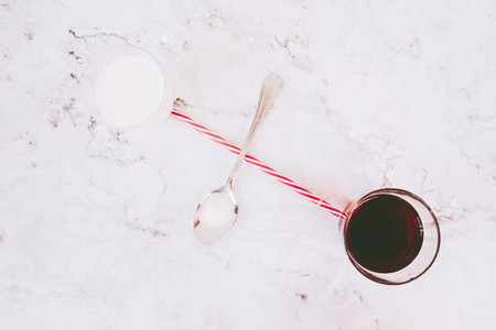 Red tea and milk composition
