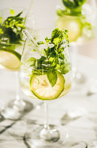 Hugo Sparkling wine cocktail with mint leaves and fresh lime