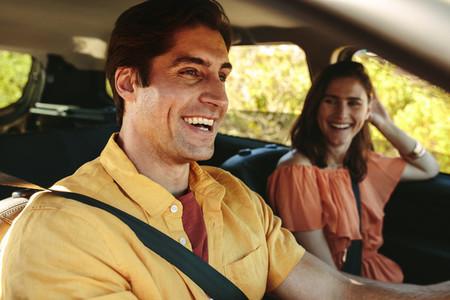 Cheerful couple on a roadtrip