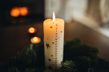 Christmas candle with wreath