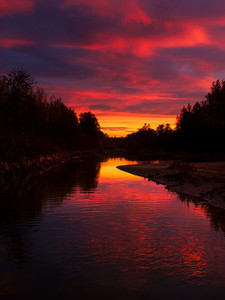 CRNA BARA  SERBIA   Red sky reflects on the Drina river surface  The photo was taken in Serbia