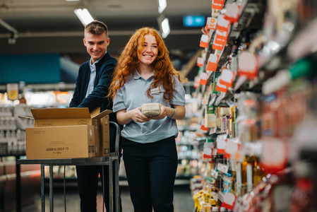 Re stocking the supermarket shelves