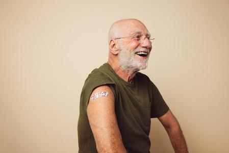 Senior man got vaccinated