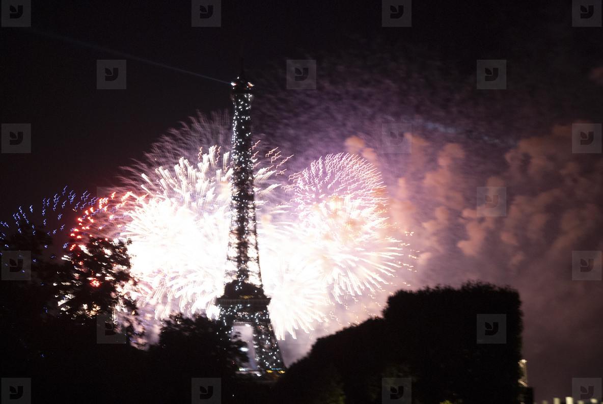 Eiffeltower Fireworks  10