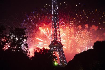 Eiffeltower Fireworks 1
