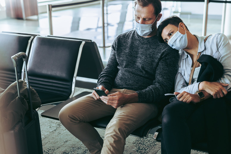 Passenger couple stranded in airport during pandemic