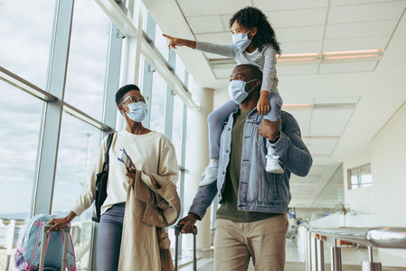 African family traveling during pandemic