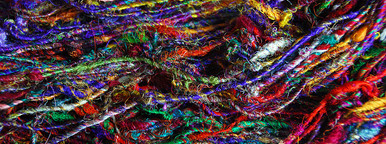 Coloured raw silk thread