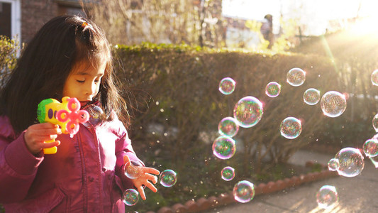 Bubble Play 01