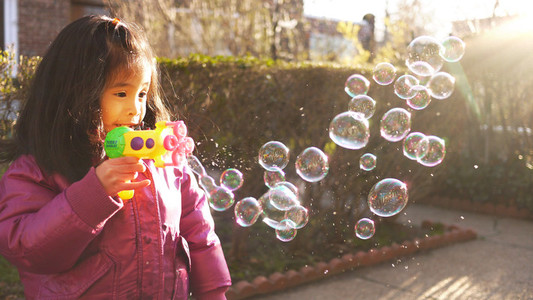 Bubble Play 03