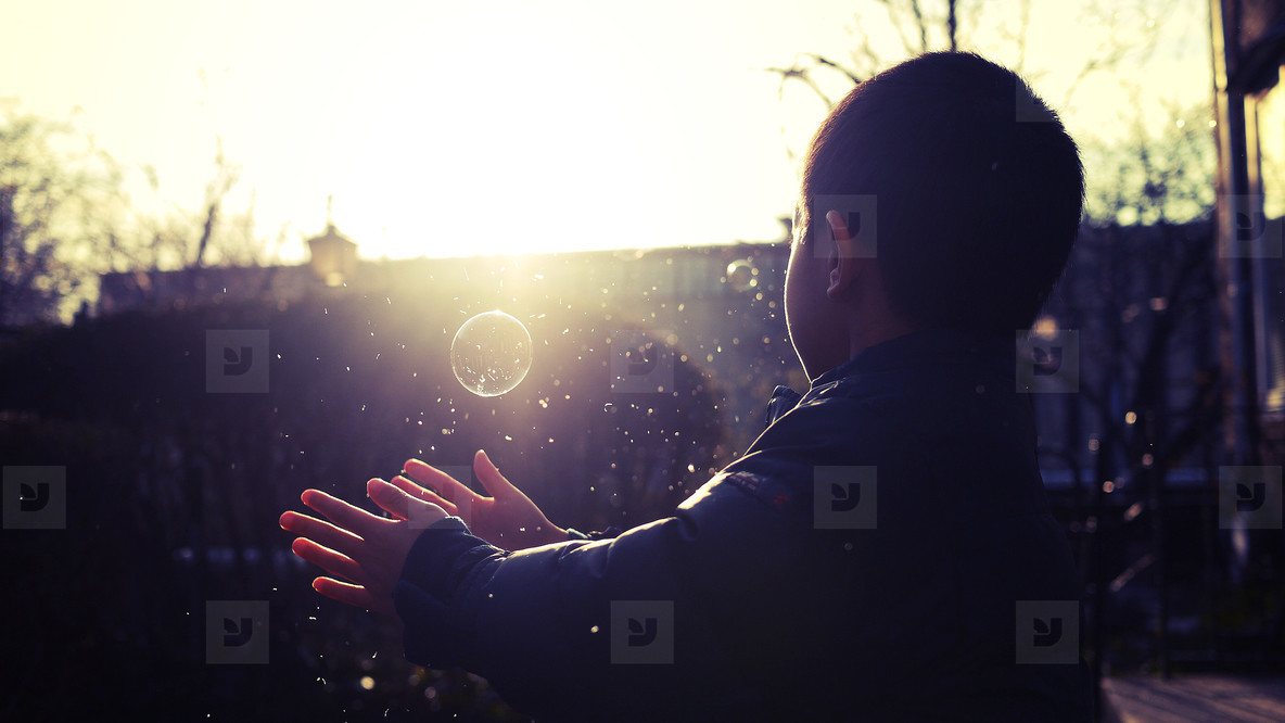 Bubble Play 07