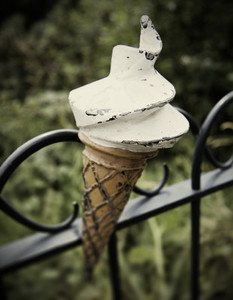 ice cream cone sculpture