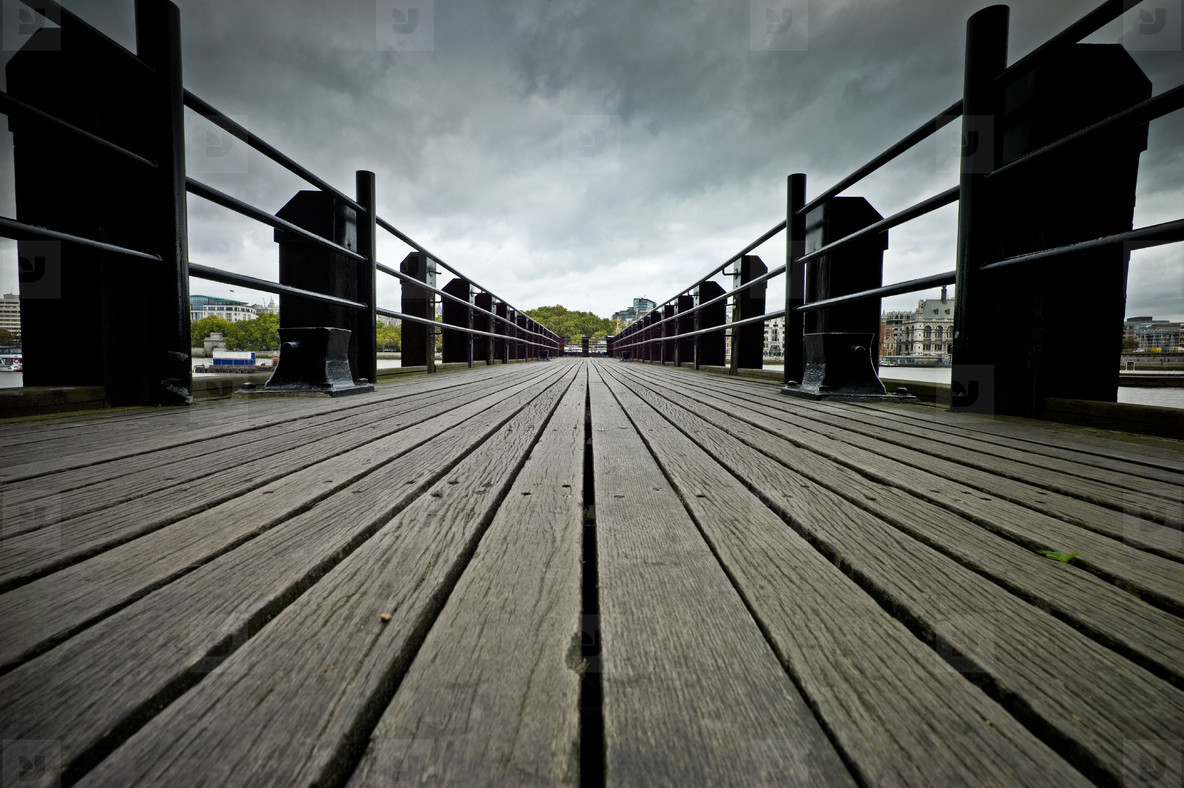 thames jetty
