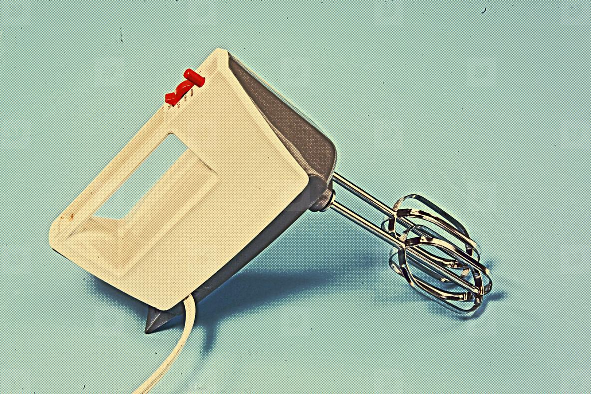 Retro hand mixer