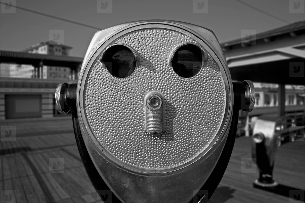 Boardwalk binoculars