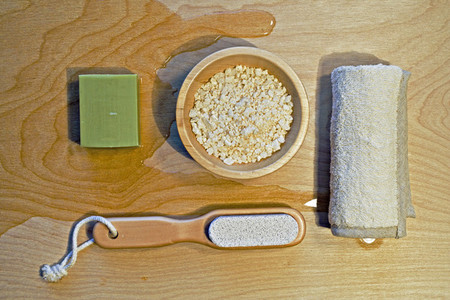 wooden bowl and spa salts