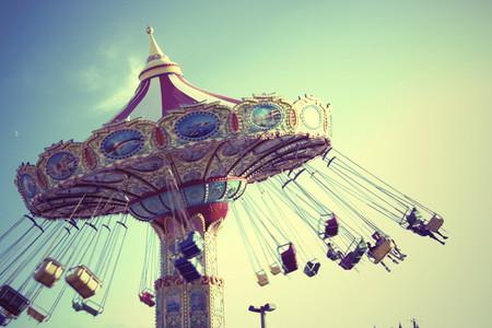 Circus swing ride