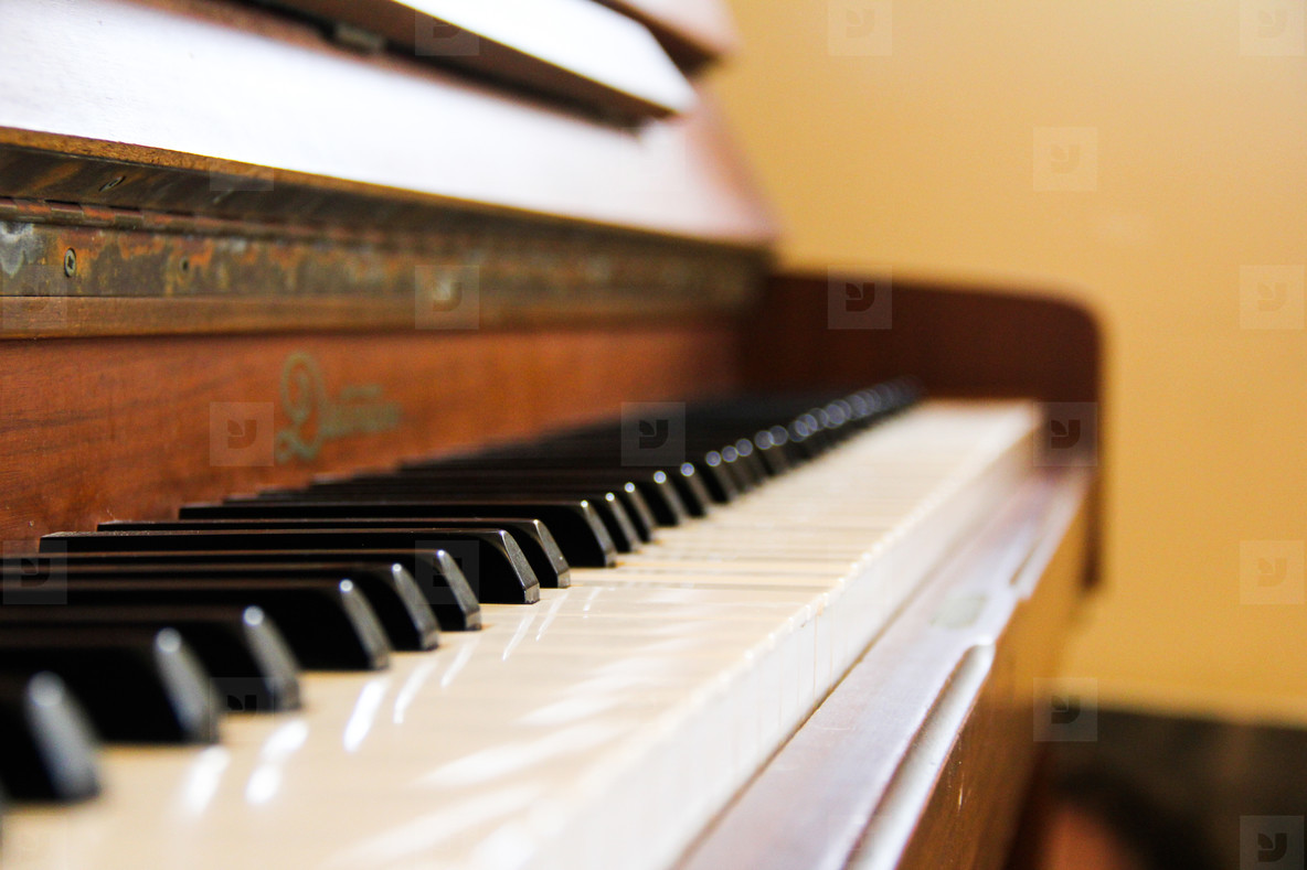 An Old Piano