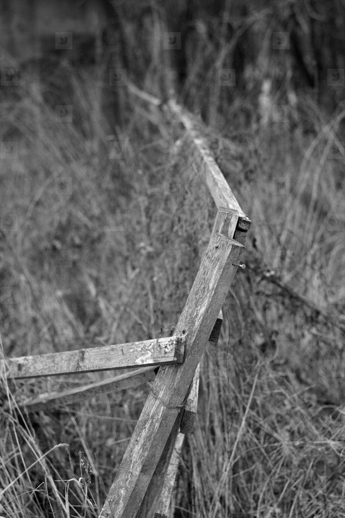 fence IV