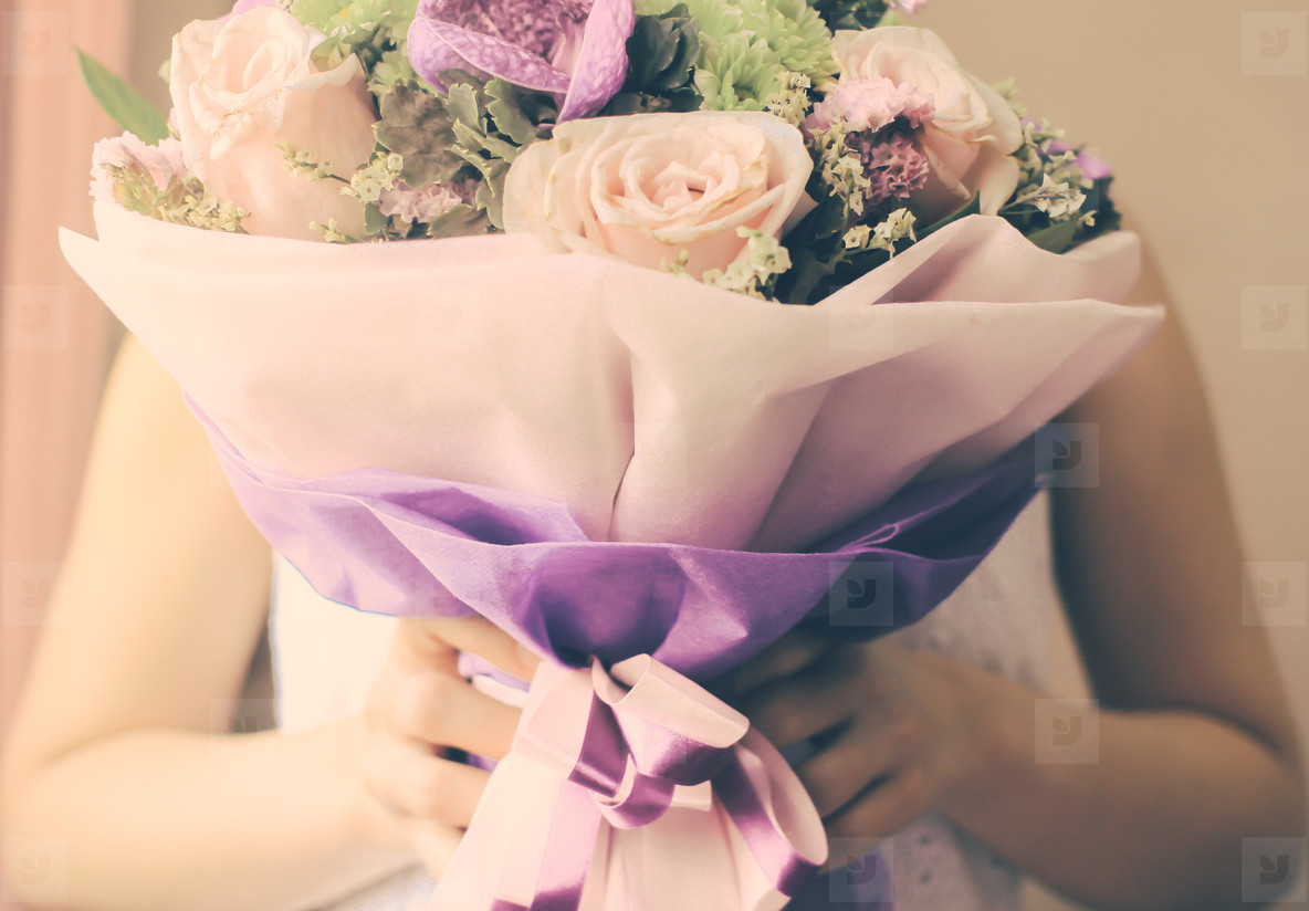 Bride with bouquet of flower