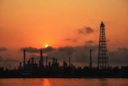 Oil and gas industry   refinery