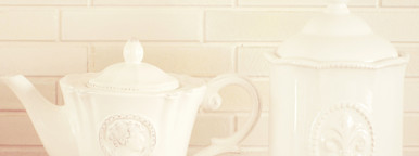 Classic porcelain teapot and jar