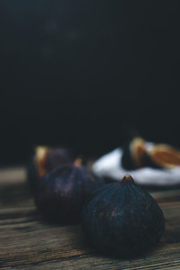 Fig fruits isolated on wooden