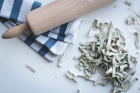 Homemade spinach tagliatelle 8
