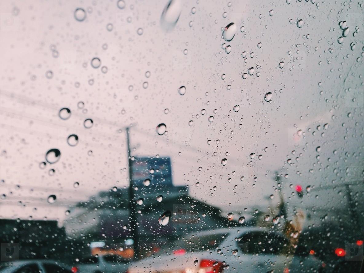 The rain is falling down