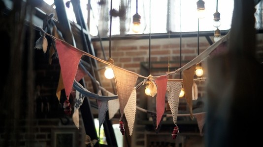 Light and bunting flags