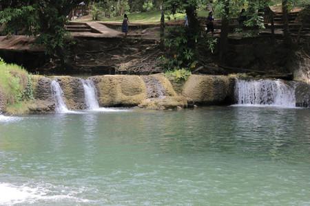 Jed Sao Noi Waterfall 2