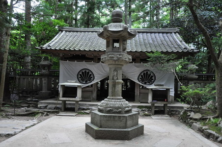 Kurama dera hiking trail shrine