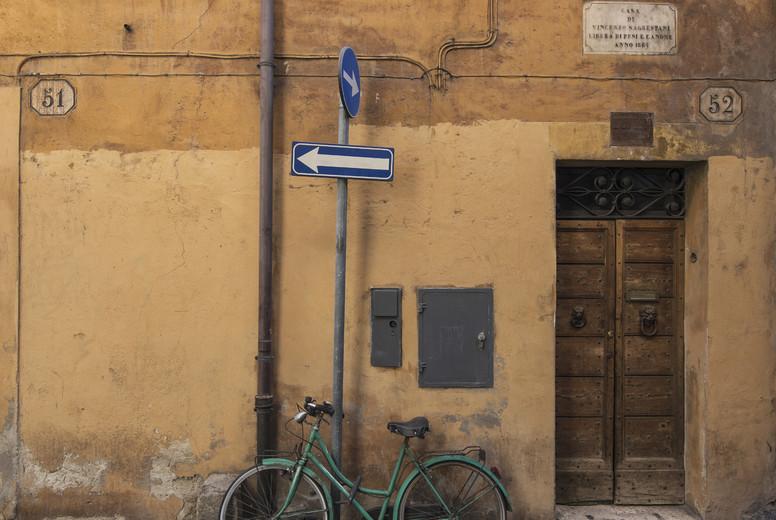 Green bike in Trastevere