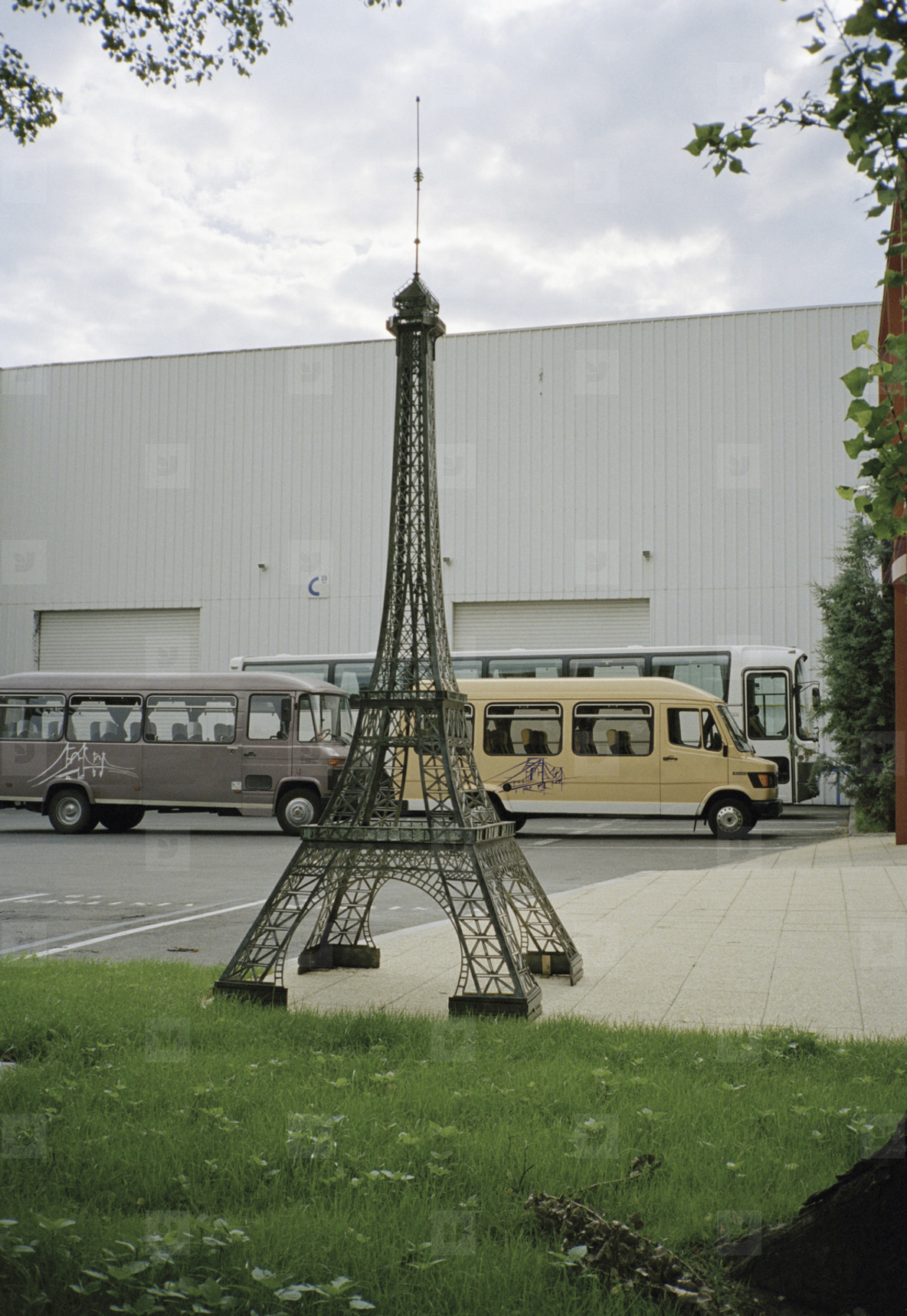 Paris Moves  22