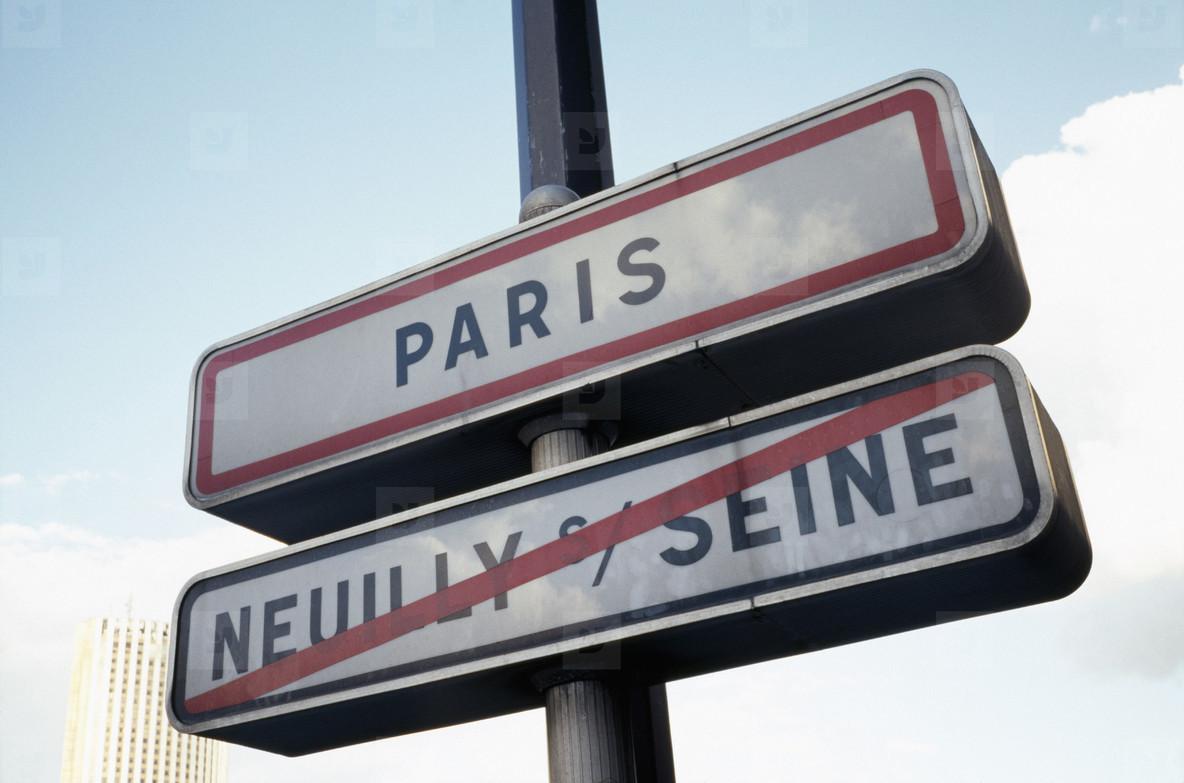 Paris Moves  35