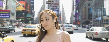 Chinese Tourist Couple NYC  01