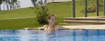 Poolside Holidays  31