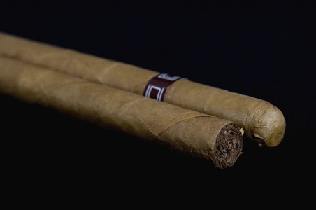 Cigarres and Pearls  12