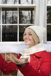 Happy Holiday Winter Girl 02