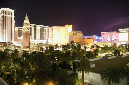 Vegas Forever 03