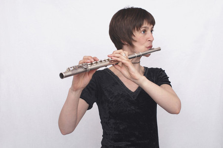 Flute Poses 05
