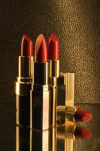Golden Lipstick 01