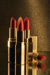 Golden Lipstick 01