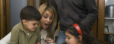 Latin American Family  08