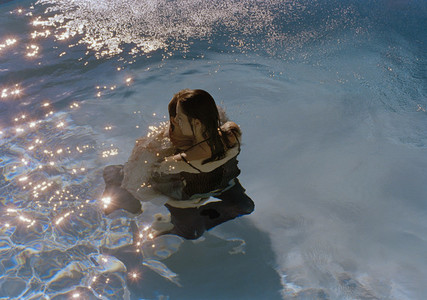 Underwater Embrace 02